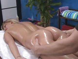 hot mama getting face fucked