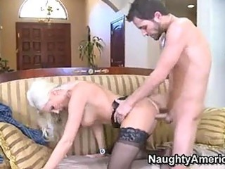 horny momma sue diamond loves the warmth of her