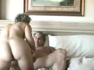 Mature wife gets anal penetration and facial