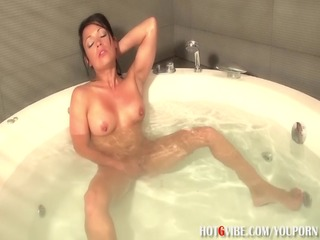 latina milf squirts in bathtub