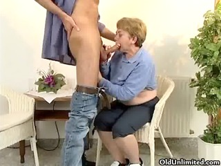 horny aged woman receives her hairy wet crack