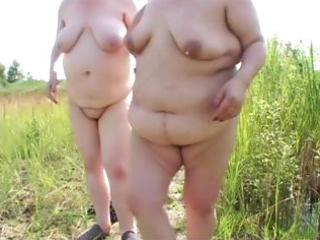 bulky mature lesbos
