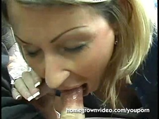 stranded soccer mama blows a guy for a ride