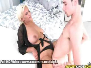 holly brooks - beautiful sexy mother i acquires