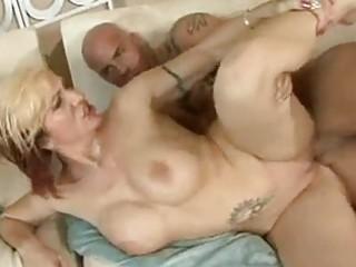 Beautiful momma brittany blaze receives a sticky