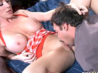 big tit mama d like to fuck in nylons finds her