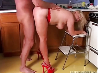 sexy older porn star lizzy liques likes to fuck
