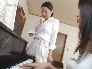 watching her piano teacher getting off