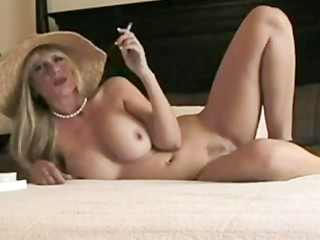 golden-haired smokin d like to fuck wants drilled