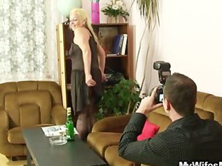 wicked mommy gets shagged after photosession