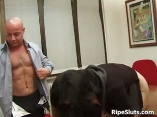messy old mother i got group-fucked on the office