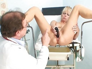 hawt aged blond lady receives her fur pie
