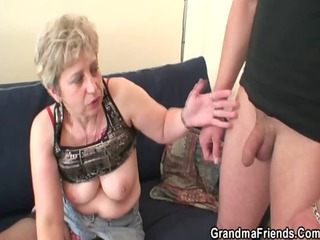 she is warms up her old cunt before rods