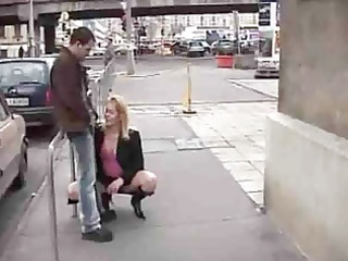 oral-stimulation on streets - insane couple