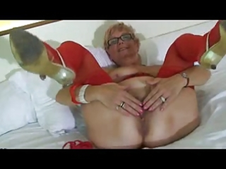 granny wears red underware