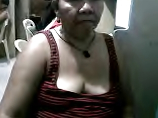 FILIPINA GRANNY MARIVIC 58  SHOWING ME HER BOOBS