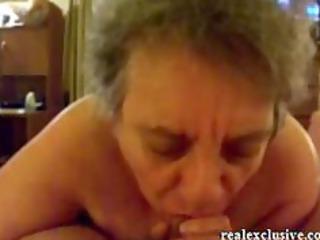 19 years granny sandra engulfing shlong of her