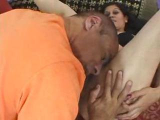 hairy milf trades oral pleasure and then receives