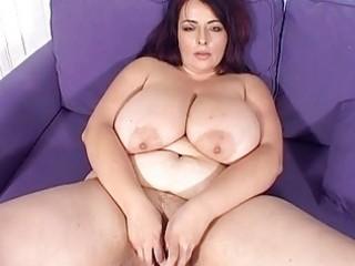 large breasted milf hottie masturbates on the