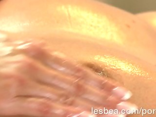 lesbea hd busty blond acquires oil massage and