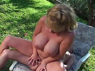 large boob d like to fuck outside sex in hooter