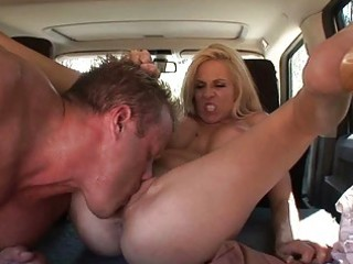 blonde milf can make no doubt of pussy licking