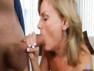 blond mamma greets hubby with kisses to his