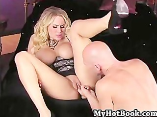 alanah rae squeezes her big tits out of the top of