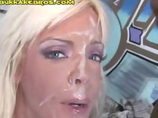 sexy dark facual cumshots for blond cougar