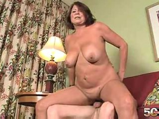 60 yo mature granny suzie wood shaved pussy