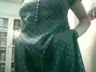 pregnant indian wife fucks on livecam