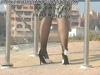 doxy wife in nylons flashes on street