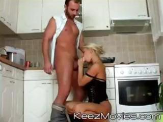 hawt blond d like to fuck takes fine care of