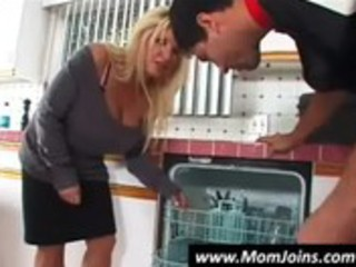 mom engulf dick for daughter