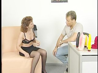 brunette mama receives fucked during interview