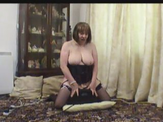 mature in nylons on her sex machine