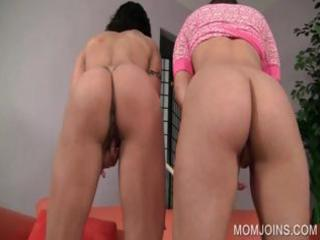 mom and daughter rub slits