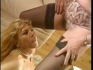 piddle french femmes matures - scene 6 dany