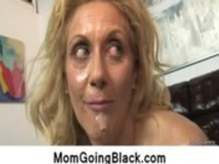 watching-my-mom-going-black-interracial-sex9_29