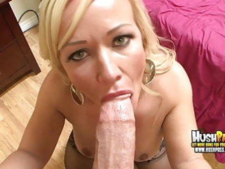 big titty d like to fuck blond gives you a great