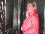 aged tramp dildoes slit in bathtub