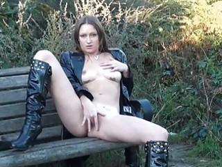 hawt english d like to fuck randy masturbating