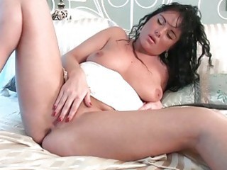 busty d like to fuck lady deeply fingers her wet