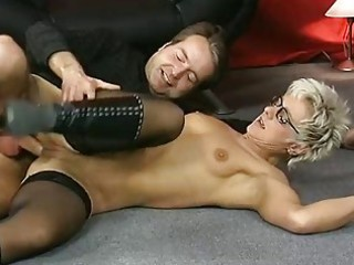 shorthaired older takes it is in both holes