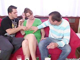 two chaps enjoy fucking sexy mama