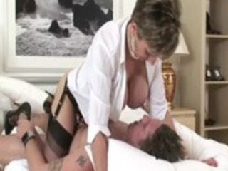 older brit lady sonia receives fucked