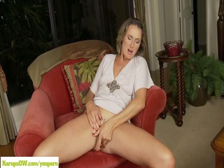 cougar misty law fingers mature vagina