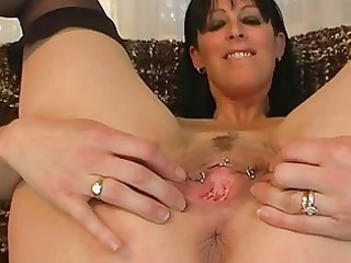 mature non-professional widens her gaping bawdy