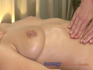 Massage Rooms MILF hairy pussy gets stretched and