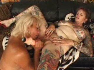 tattooed mature lesbian babes